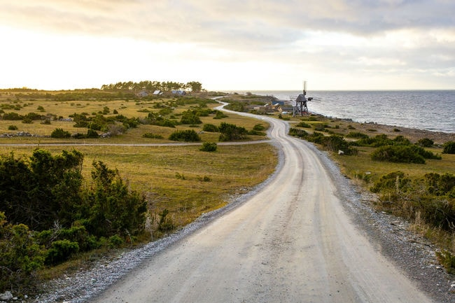 landscape-and-road-in-Öland-Sweden