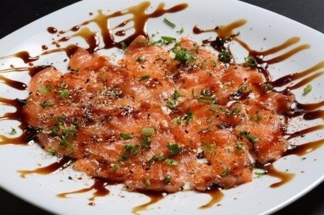 Salmon sushi | (c) Lapamaki
