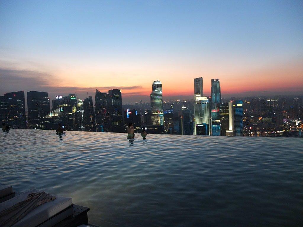 Sunset at Marina Bay Sands Infinity Pool
