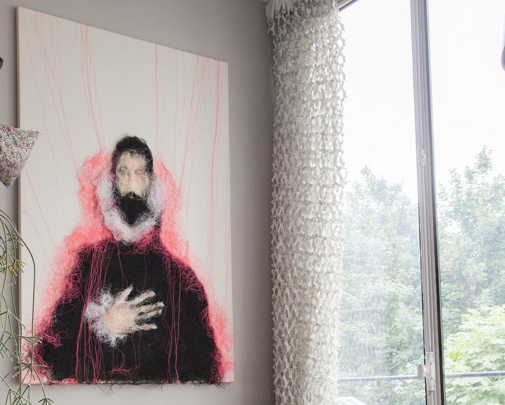 Mathieu Ducournau - la main sur le coeur in situ 145 x 100 cm 2017