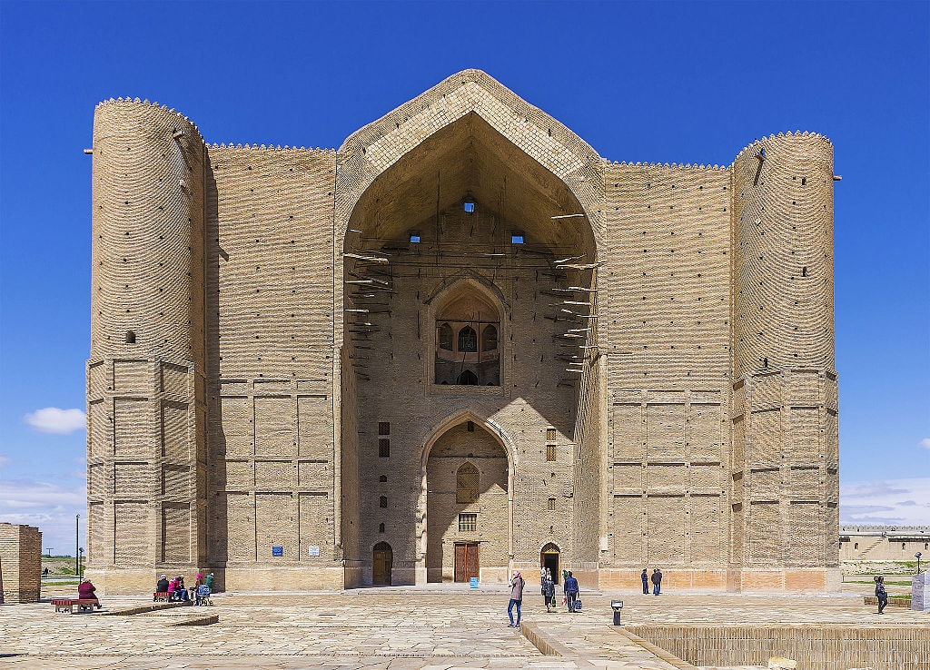 Mausoleum_of_Khoja_Ahmed_Yasavi_in_Turkestan,_Kazakhstan