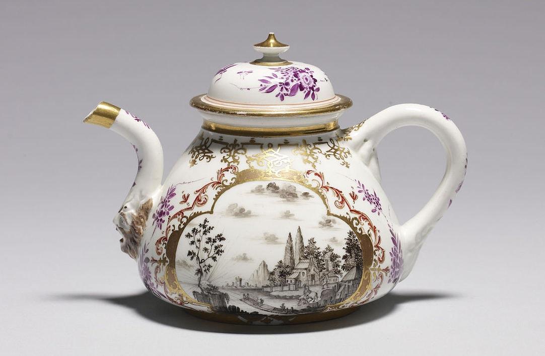 Meissen porcelain tea pot