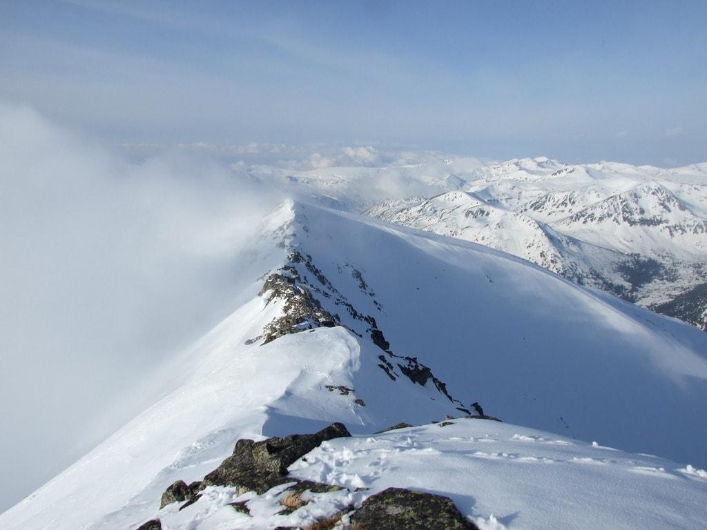 mountains-676609_1920