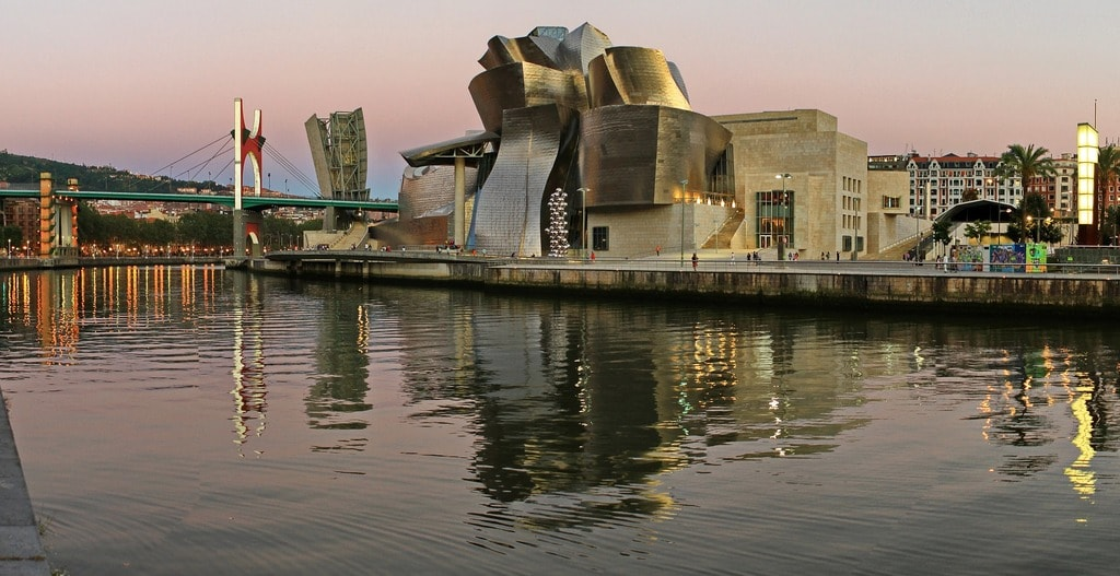 Guggenheim, Bilbao, Spain | ©txlopez / Pixabay