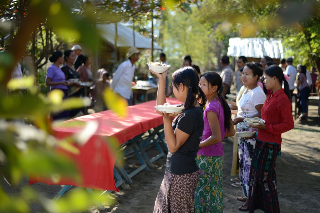 Myanmar-People-Gather-Together-for-a-Meal
