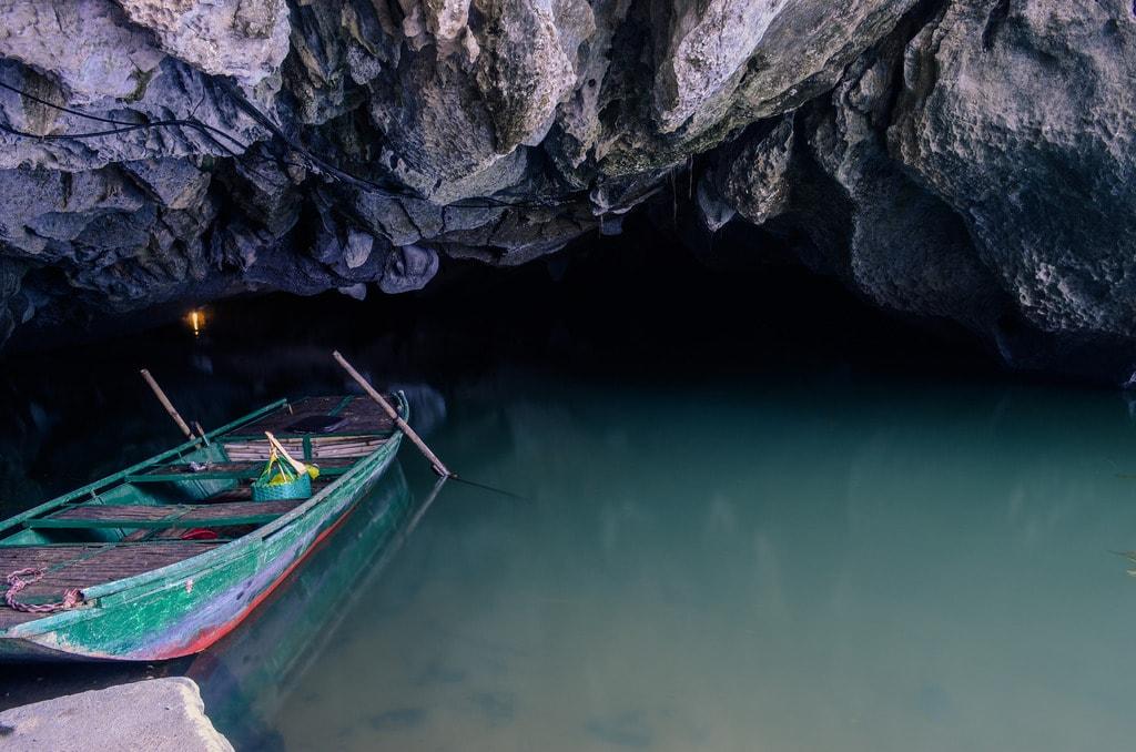 Trang An Caves   © Esmee Winubst/Flickr
