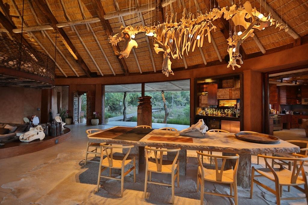Observatory Bush Villa_dining