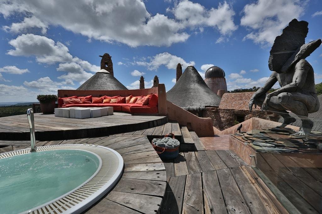 Observatory Bush Villa_hot tub