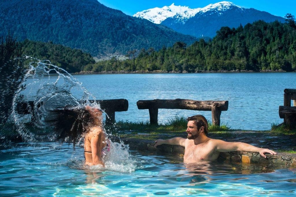 pareja_piscinas