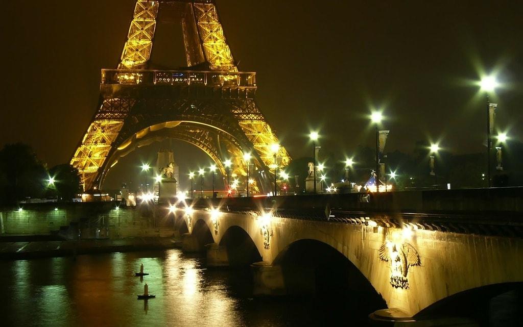 paris-253920_1280
