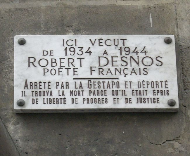 Plaque_Robert_Desnos,_19_rue_Mazarine,_Paris_6
