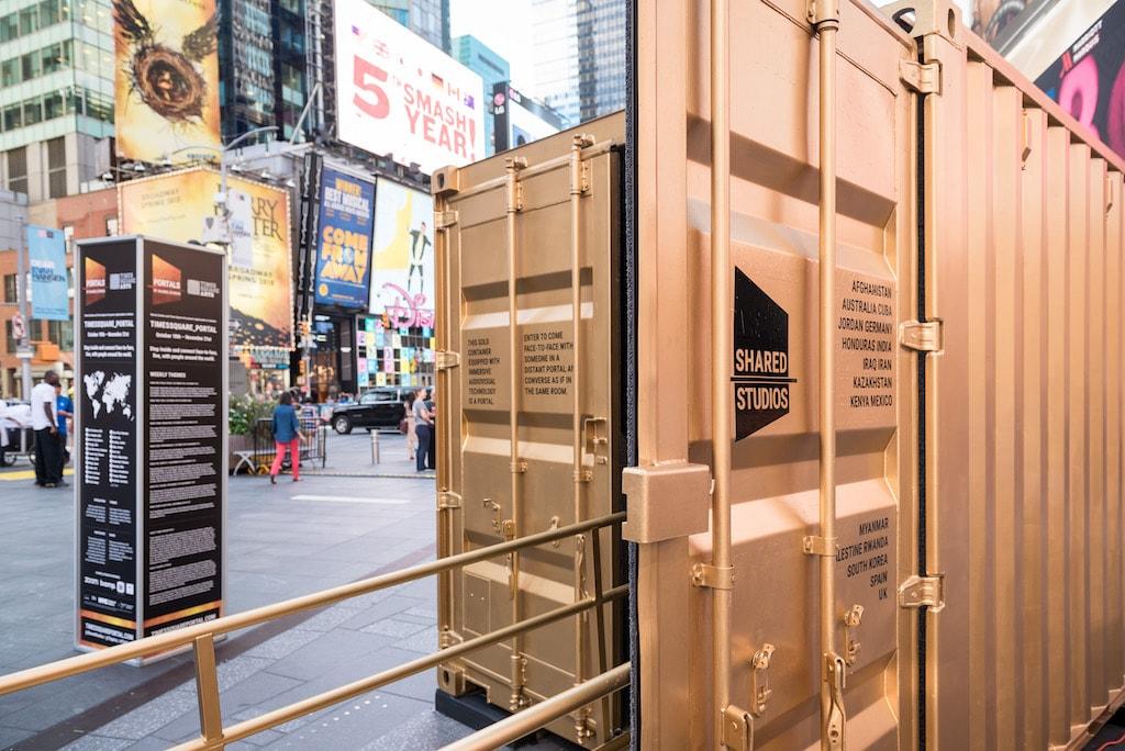 © Ian Douglas / Times Square Arts