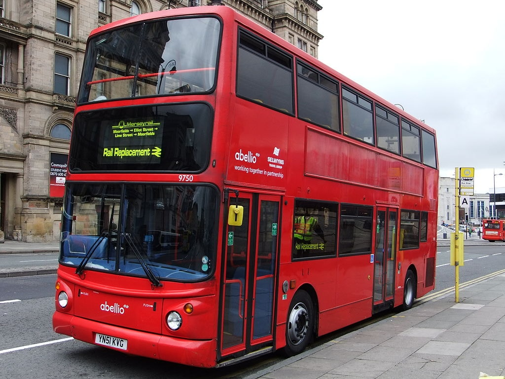 Rail Replacement Bus Service | © Rept0n1x:WikiCommons