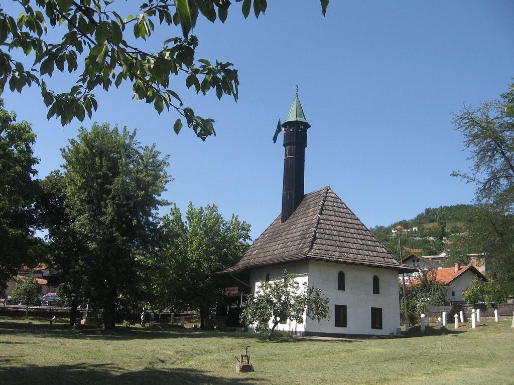 Dzindic Mosque Tuzla | © Goran Necin/Flickr