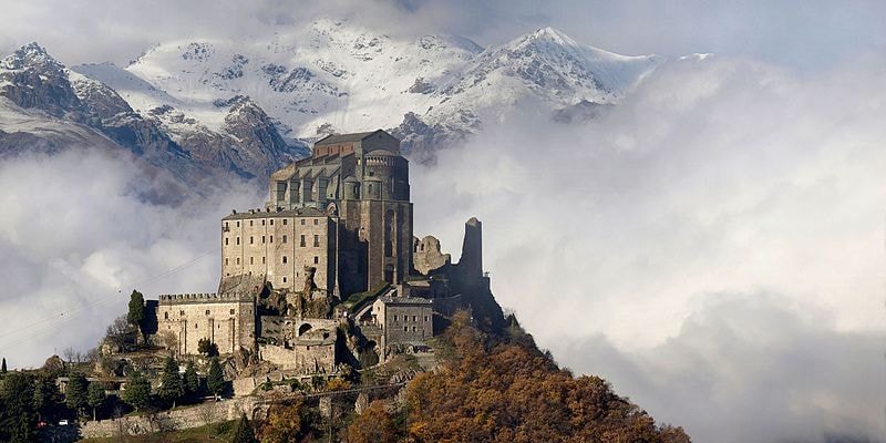 Sacra di San Michele in Autumn | WikiCommons