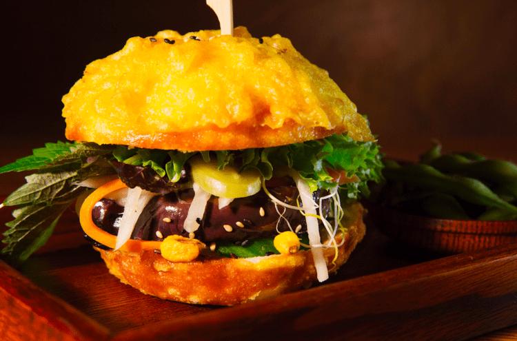 Ryong Golden Burger | © Chi Phan/Courtesy of Ryong