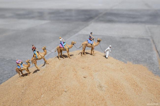 Shifting Sands, Dubai UAE, 2016 |Courtesy of Slinkachu