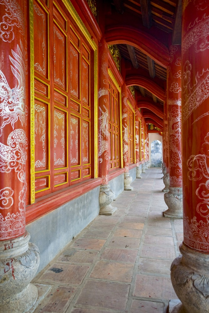 Exterior of the Hai Ba Trung Temple | @ Peter Stuckings/Shutterstock