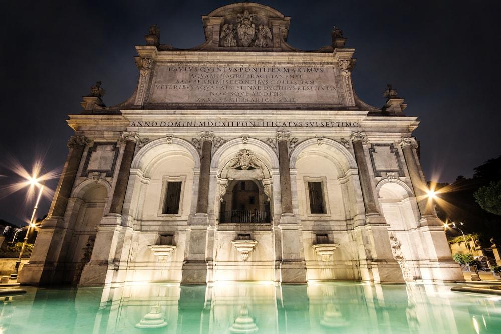 Fontana dell'Acqua Paola   © Shutterstock