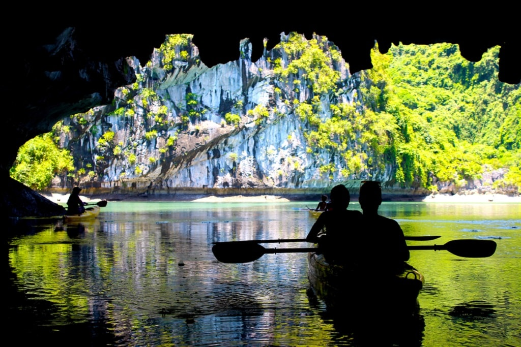 Kayaking through caves in Lan Ha Bay, near Ha Long Bay | © danielcastromaia/Shutterstock