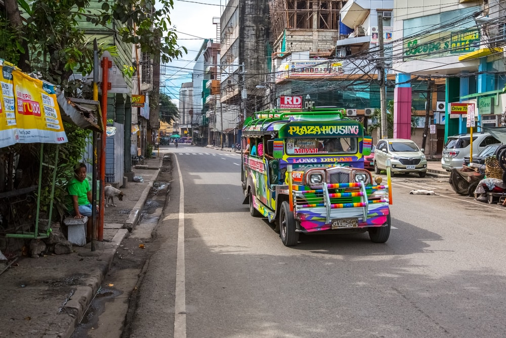https://www.shutterstock.com/image-photo/cebuphilippines12-march2017-jeepney-taxi-ceby-streets-625146242?src=eiLl1a2u4KFwooziMsRF_g-2-61