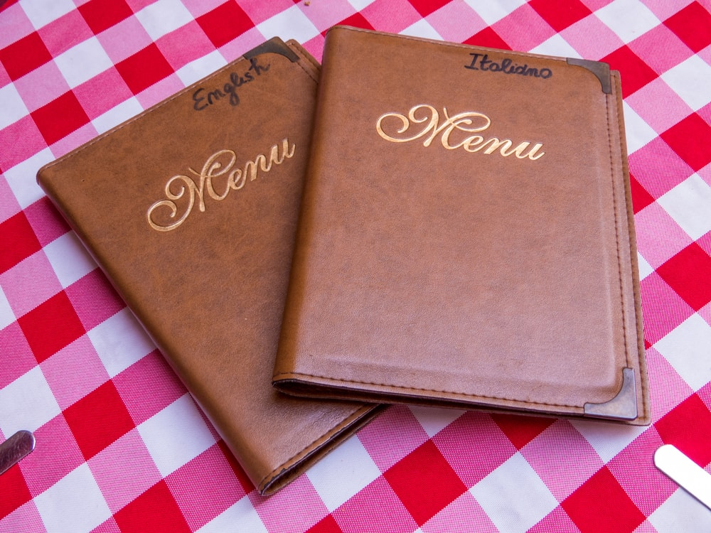 English versus Italian menus   ©Diego Fiore/Shutterstock