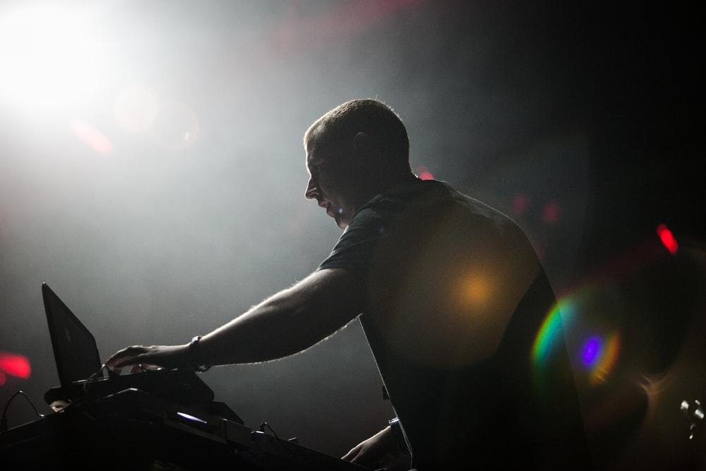 DJ booth | © hurricanehank/Shutterstock