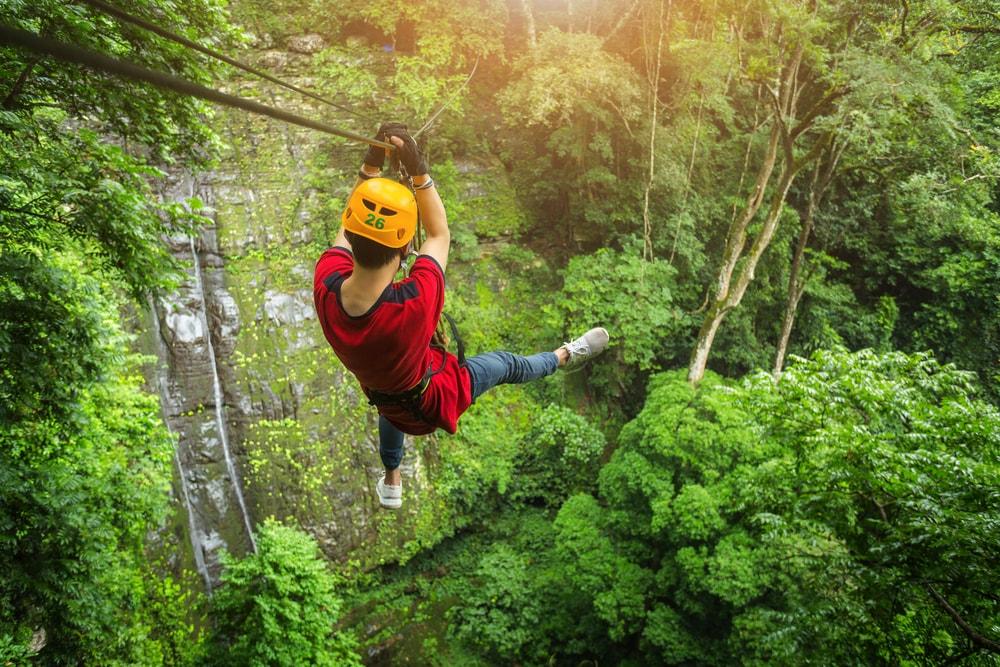 Zip-lining | © Tong_stocker / Shutterstock
