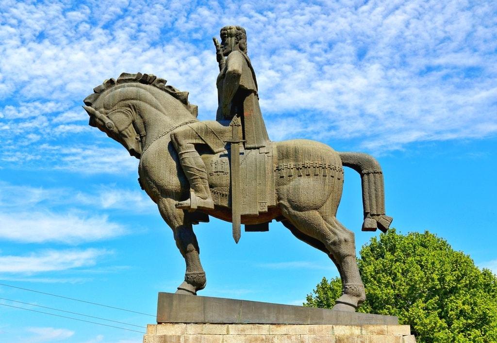 Statue of King Vakhtang Gorgasali, Tbilisi, Georgia-01