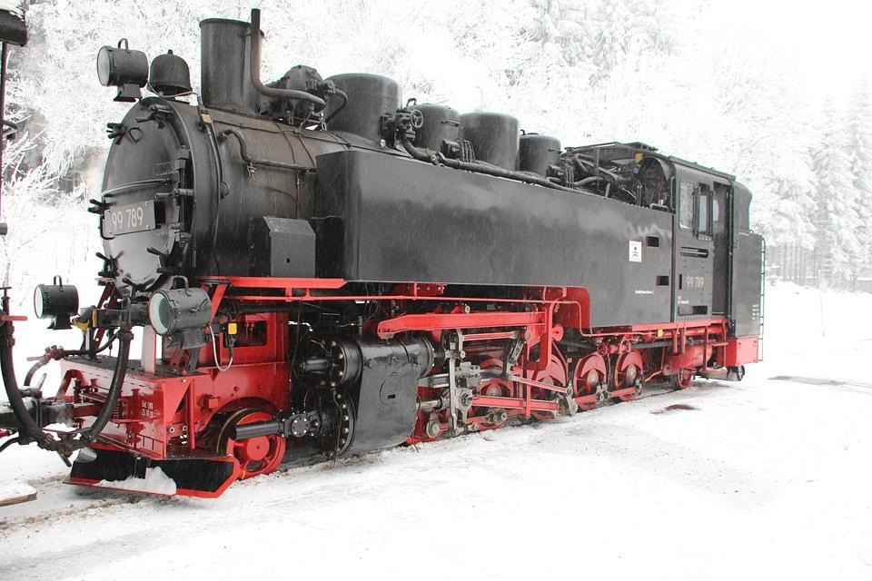 steam-locomotive-325673_960_720