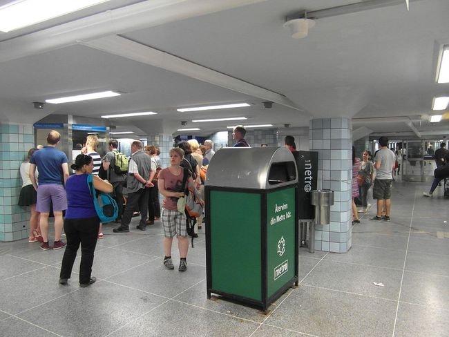 Stockholm_-_Tunnelbana_-_Gamla_Stan_(11119564646)