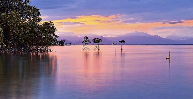 Sunset_at_Orpheus_Island_National_Park