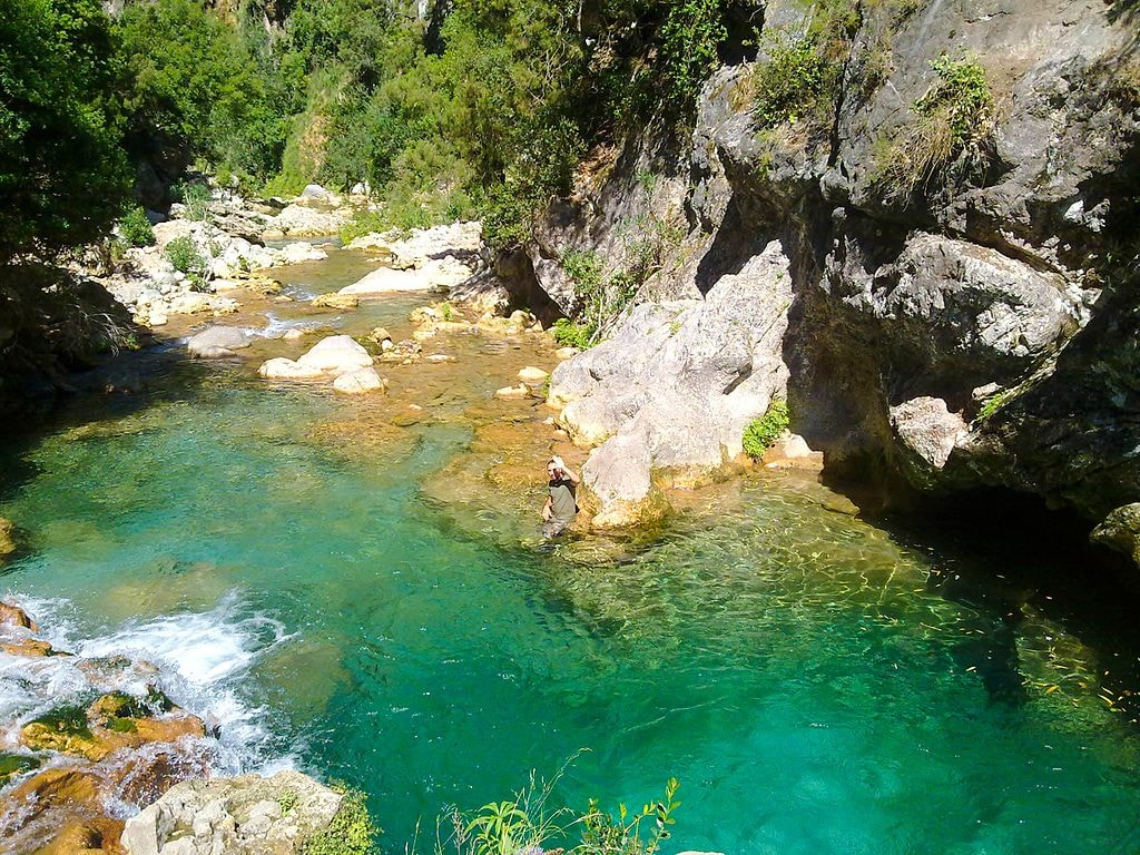 Talambot_River_under_the_bridge_of_god_-_National_park_of_Talassemtane