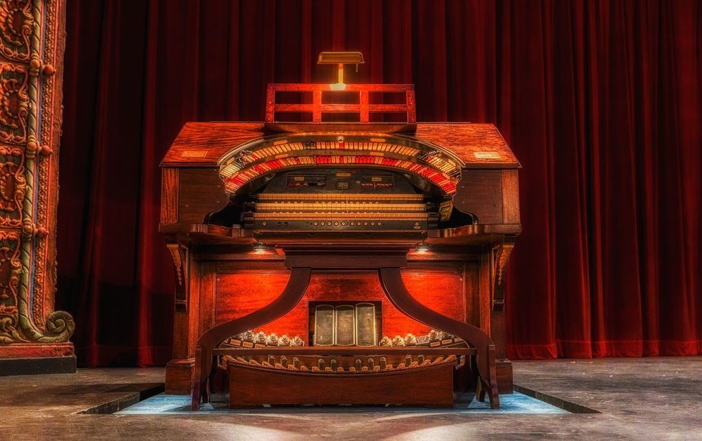 The Mighty Wurlitzer Theatre Organ | Courtesy of Tampa Theatre