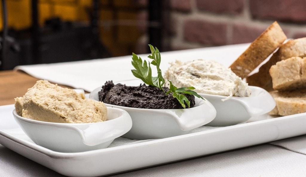 https://pixabay.com/en/starters-olive-paste-paste-cuisine-2157242/