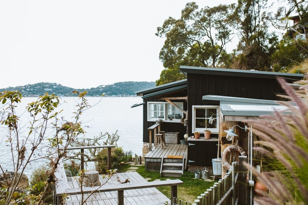 The Little Black Shack   © Airbnb