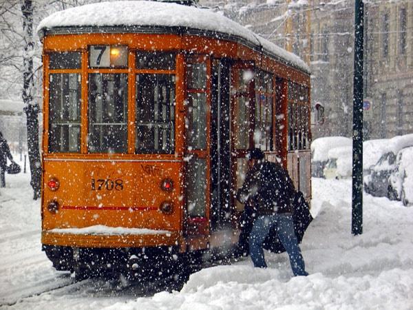 A classic Milanese tram   © Dromedario dei Sogni/Flickr
