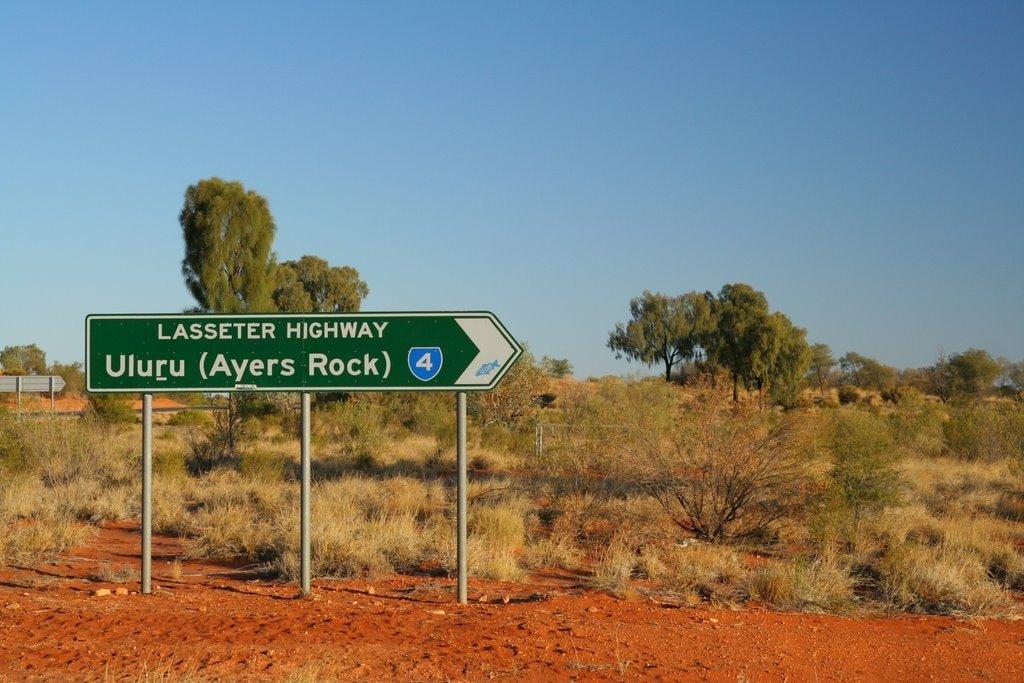 Uluru road sign | © Stephan_Wikimedia Commons