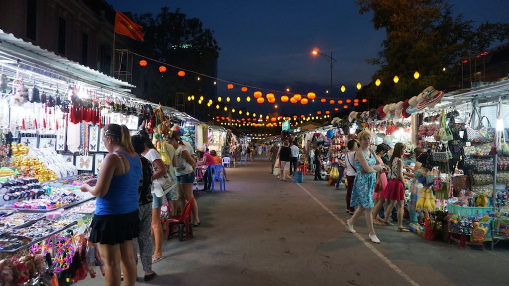 Nha Trang Night Market | © TravellingApples