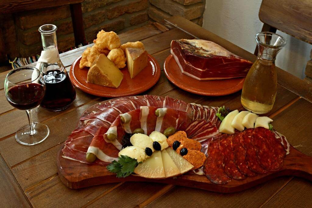 Traditional food in Montenegro | © Courtesy of Eco Resort Cermeniza