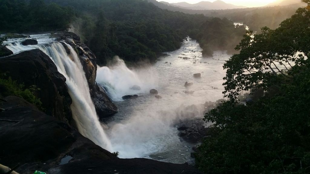 1.athirappilly_falls_