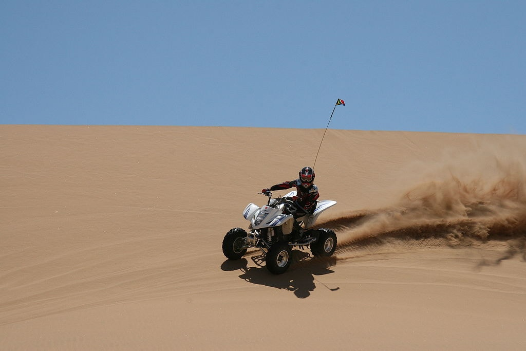 Quad biking on the dunes of the Namib | © Ltz Raptor/WikiCommons