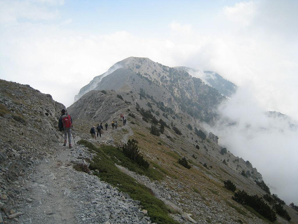 1024px-Olympos_trekking