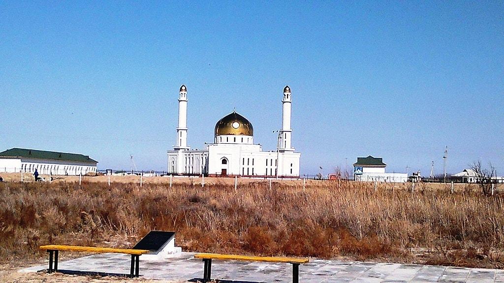 1024px-Otyrar_District,_Kazakhstan_-_panoramio