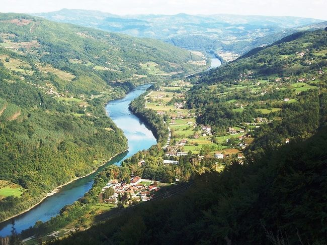 Perućac and the Drina river | © Ant83/WikiCommons