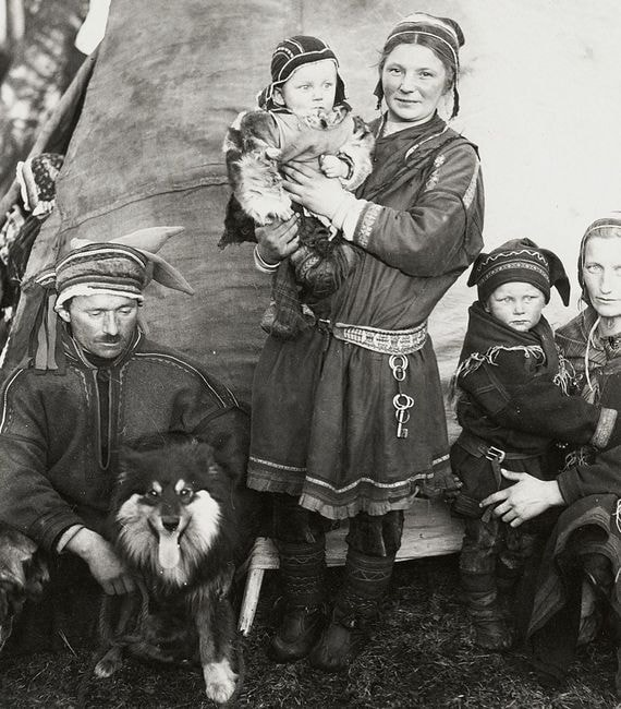 1024px-Sami_family_Finland_1936