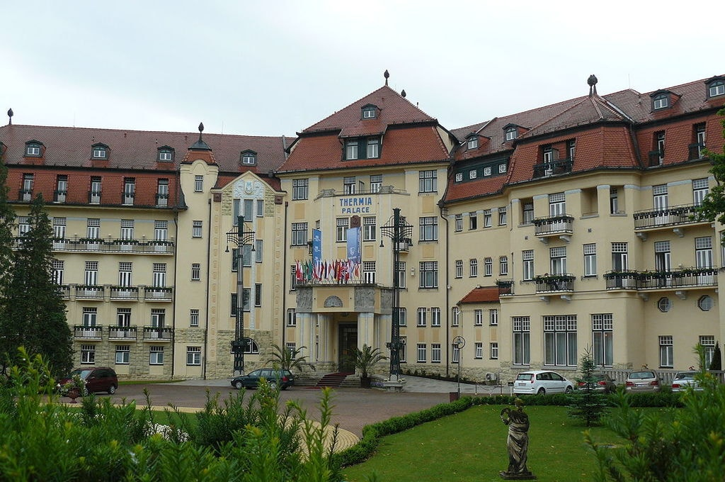 1200px-Therma_Palace_Piestany