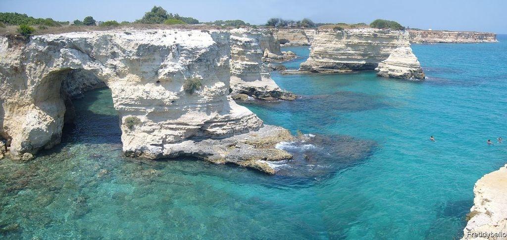 1200px-Torre_Sant'Andrea_(Lecce)