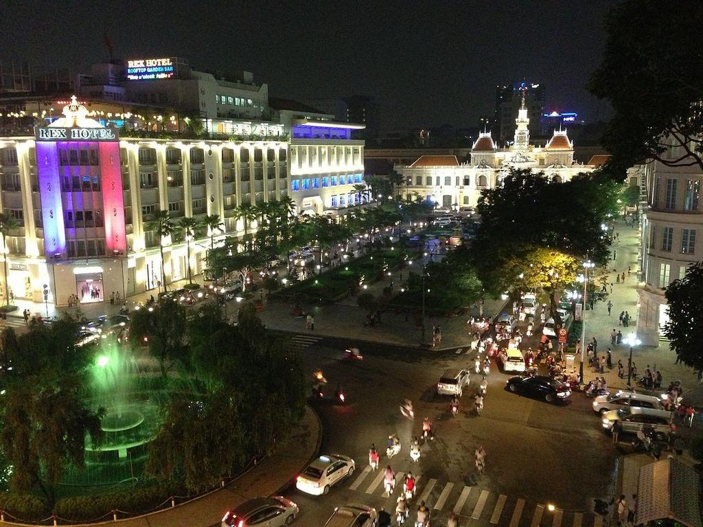 View of Nguyen Hue Walking Street   © smuconlaw/WikiCommons