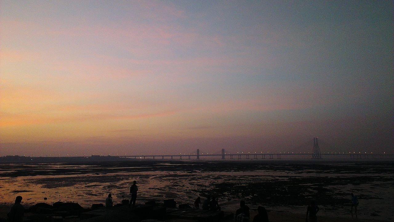1280px-View_of_Bandra_Worli_Sealink_from_Dadar_Chowpatty_At_Sunset